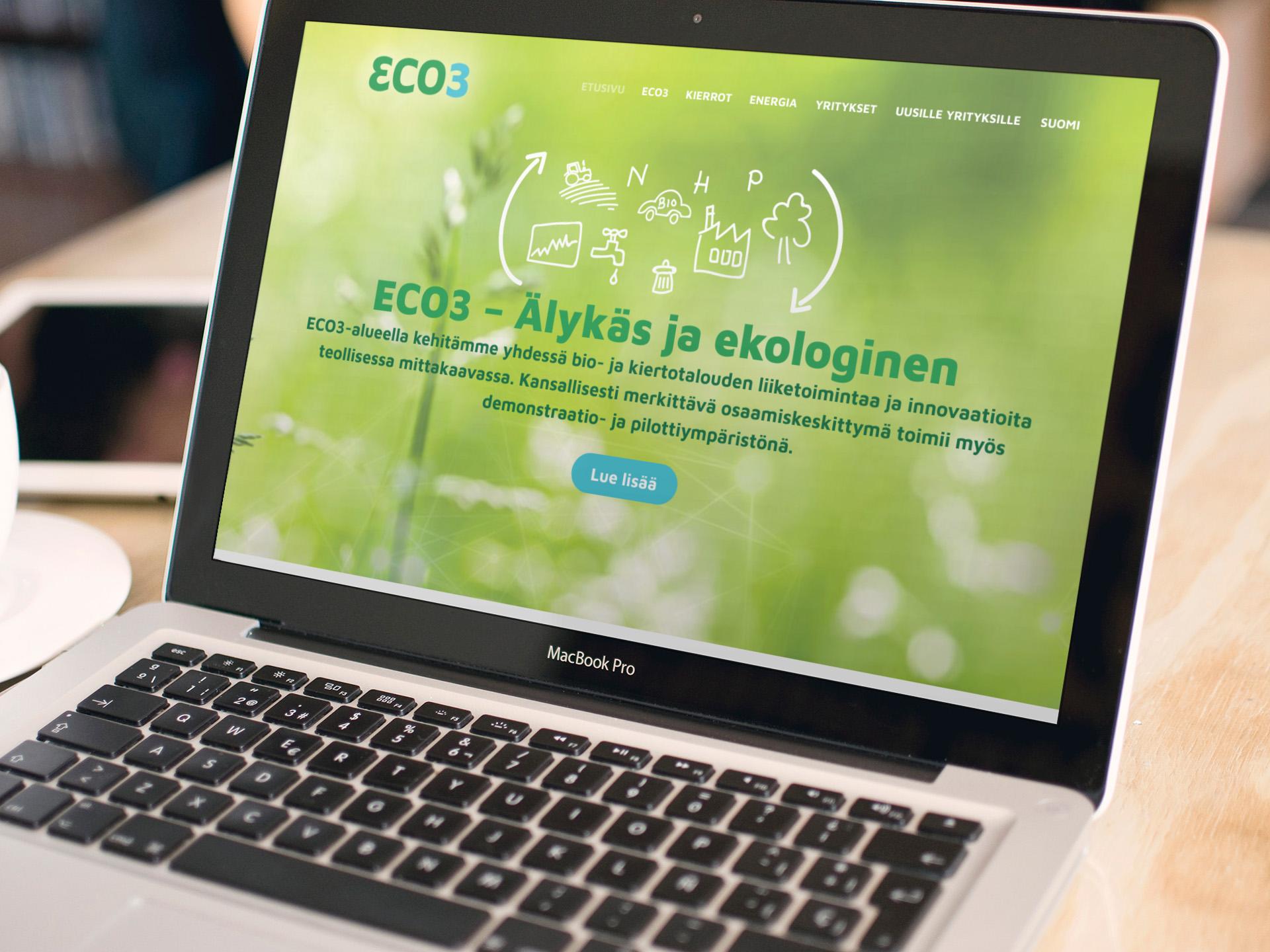 Eco3.fi sivuston etusivu MacBook Pron näytöllä.
